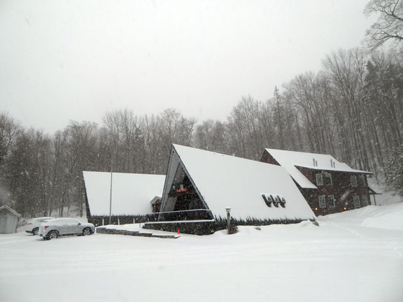 Snow once again coverning the Birch Ridge Inn