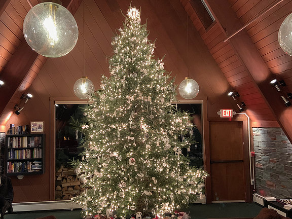 2019 Birch Ridge Inn Christmas Tree